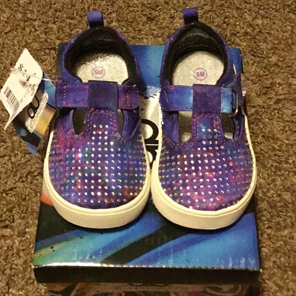 brand new 51796 d6f92 Toddler girl size 5 bling shoes NWT